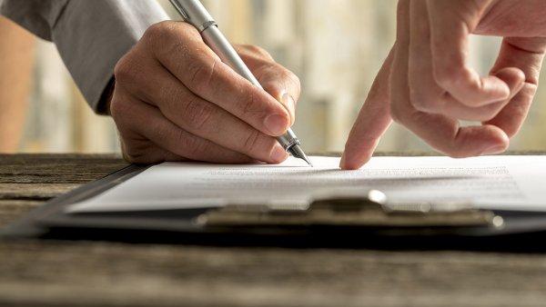 Как внести изменения в договор о продаже доли квартиры